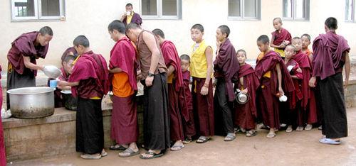 Tibet_breakfastline_2529