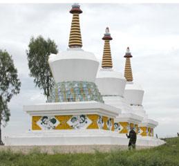 Mysore_stupas_2520