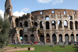 Rome_coliseum_3616