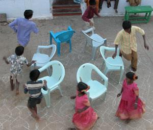 Musicalchairs1p85_2004_0145