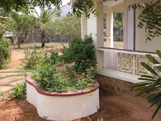 Garden_flowerbed