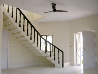 House_staircase_0624