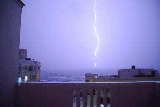 Lightning7-07-3892a
