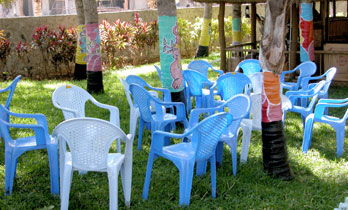 Blue_chairs_2004_0482