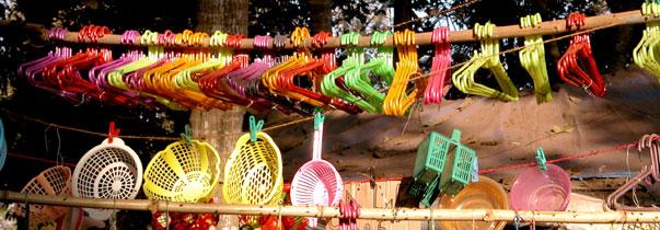 Rainbow_hangers_2004-3996