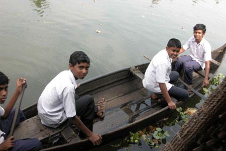 Kerala_row_2006-01-0039