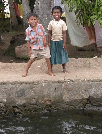 Kerala_2kids_2006-01-0099
