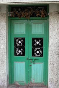 Green_door_2003-00572
