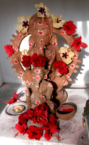 Red_ganesh_2005-0556