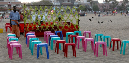 Rainbow_chairs_2004_1026