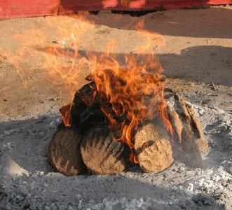 Poop_fire_2005-11-6440