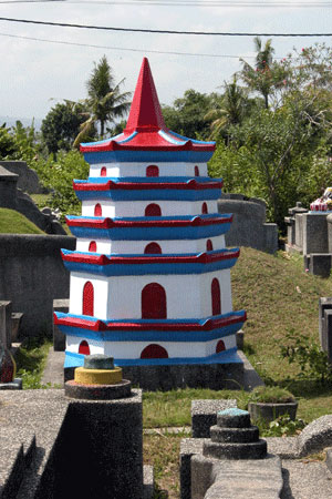 Cemetery_2006-07-2653
