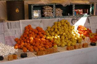 Orange_sweets_2004-3970