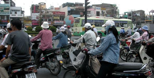 Viet_motorcycles_2005-03-15