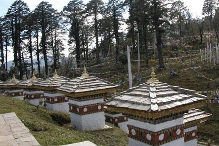 108 stupas in bhutan