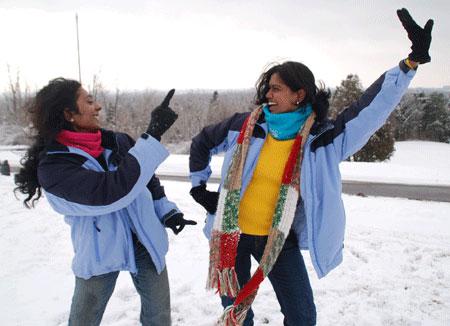 Swetha and Anu do Bollywood